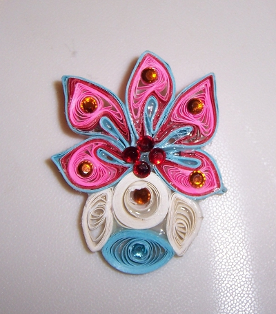 Quilled Pin - Abstract Vase 01Aaaa