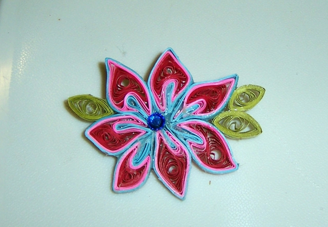 Quilled Pin - Fantasy Flower 01Aaa