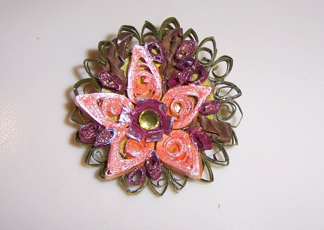 Quilled Pin - Winter Flower 01Bbb